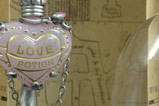 03-Colgante-con-Expositor-Love-Potion-harry-potter.jpg