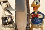 02-figura-pato-donald-traditions-handsome-as-ever.jpg