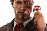 01-Figura-Two-Face-Toy-Fair-Exclusive.jpg
