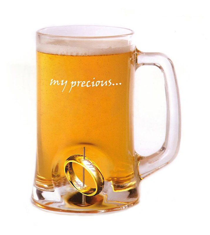 jarra de cerveza con el anillo nico my precious